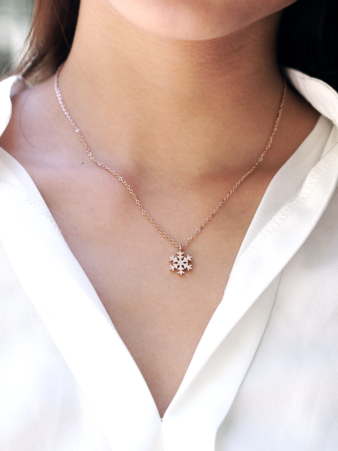 Backorder Stainless Steel Glitter Snowflake Necklace
