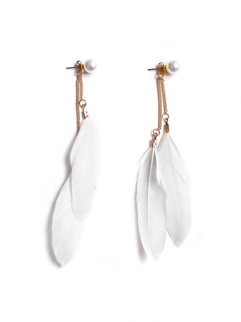 acc845-whimsical-feather-earrings-in-white-1