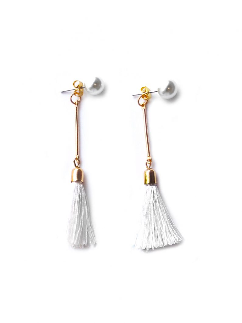 ACC947-Pearl-Tassel-Drop-Earrings-in-White-6