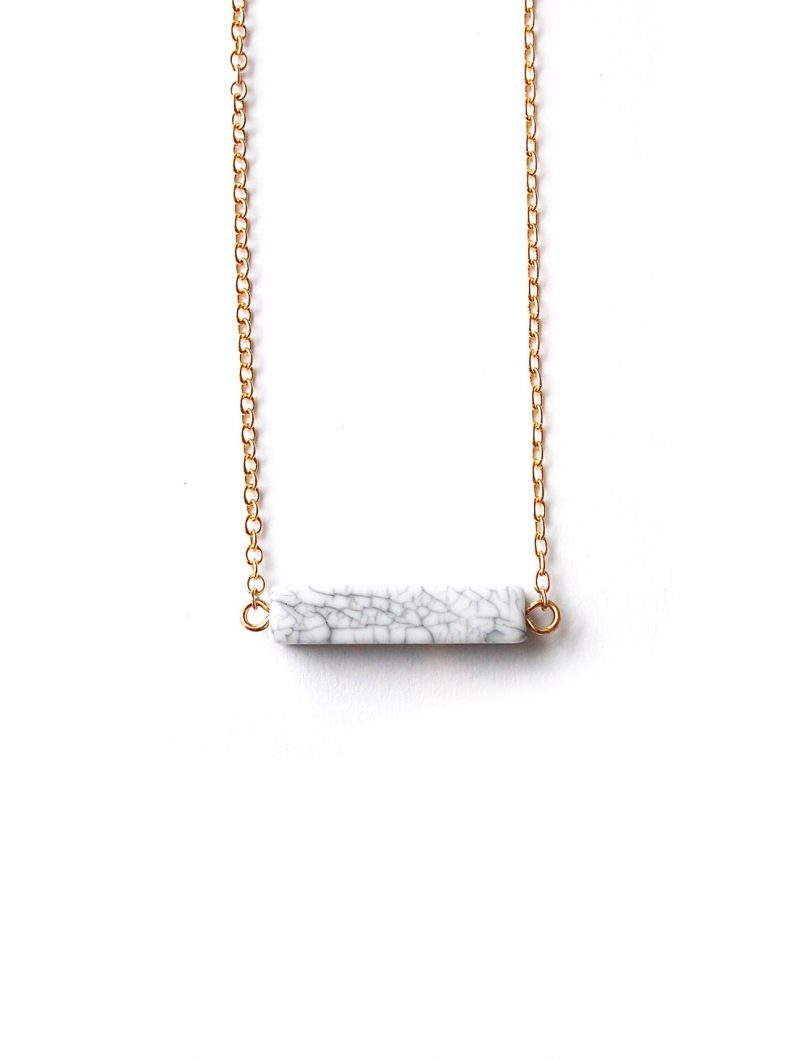 ACC1018-Simple-Mini-White-Marble-Bar-Necklace-in-Gold-1