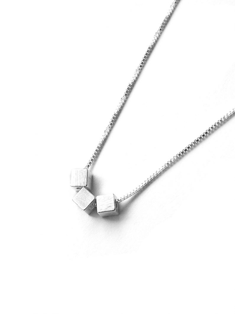 ACC1035-(925-Silver)-Finne-Cube-Necklace-in-Silver-10